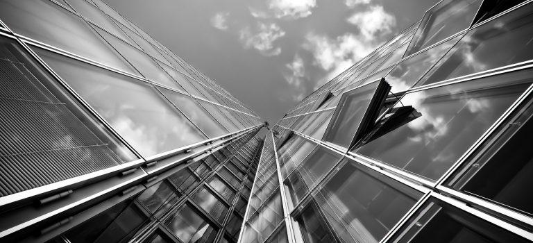 VERKAUFT! Attraktive Kaufangebote bei Zwangsversteigerungen: Zwei Bürogebäude Euro 15 Mio. und Euro 7 Mio.