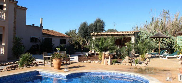 !! VERKAUFT !! Kaufangebot Finca Mallorca: 344 m2 – 18.000 m2 Grundstück – Euro 799.000 – Mietzins 7,5% p.a. !